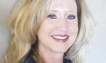 Los Lunas Superintendent Dana Sanders on medical leave