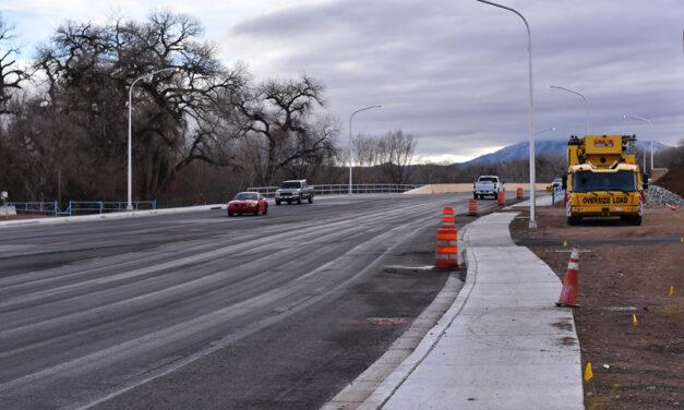 New river bridge in Los Lunas nears completion