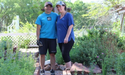 Belen gardeners awarded $100 as 'Yard of Week'
