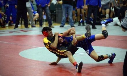 District wrestling: Los Lunas wins team title, Belen wins six weight classes