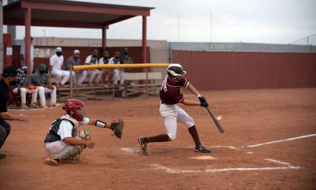 Belen baseball knocks off Valencia to open district play