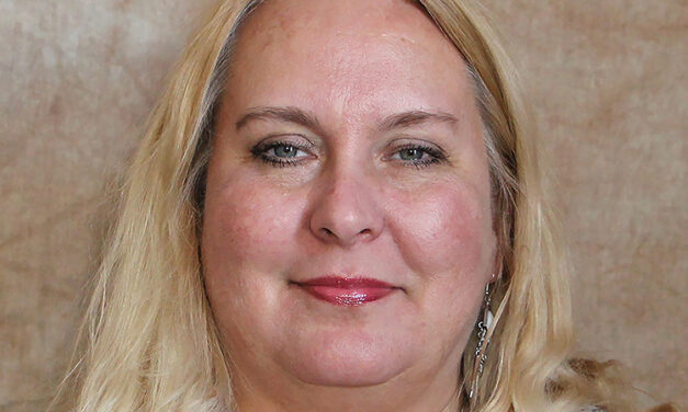 PTK recognizes, honors UNM-Valencia's Tracy Owen